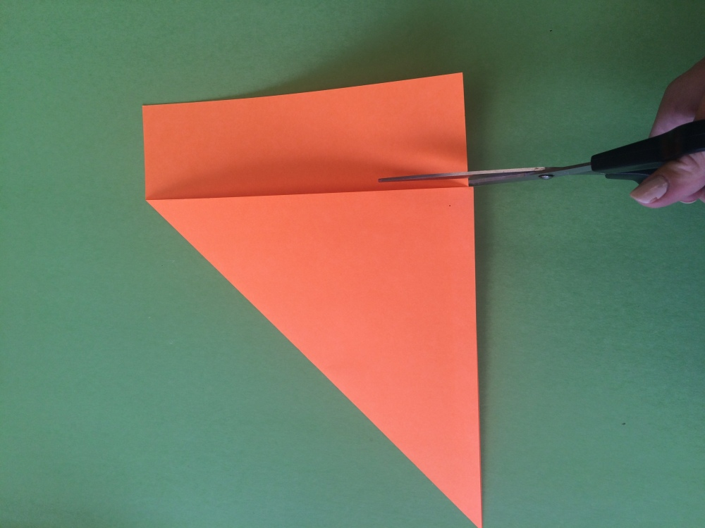 How To Make an Origami Pen Holder (3/6)