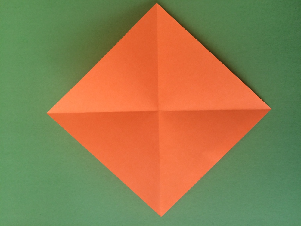 How To Make an Origami Pen Holder (4/6)