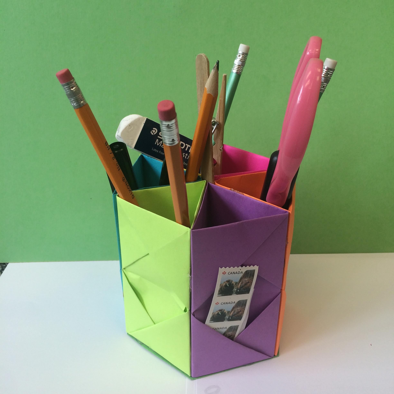 how to make an origami pen holder. Black Bedroom Furniture Sets. Home Design Ideas